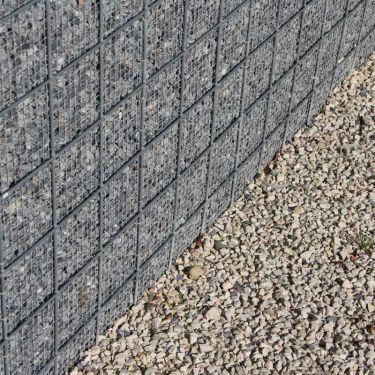Ardenner split toegepast in grindschutting (gecombineerd met Dolomiet split)