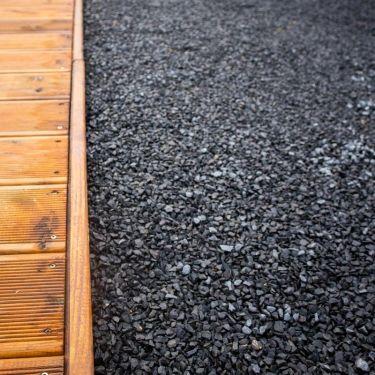 Basalt split aangelegde siertuin