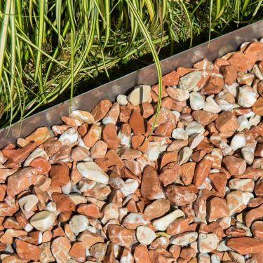 Baskisch rood grind 16/25mm aangelegd