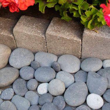 Beach Pebbles Large 30 - 60mm (3 - 6cm) aangelegd