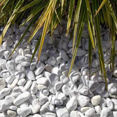 Carrara grind 16 - 25mm aangelegd