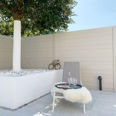 Crystal white breuksteen aangelegd tuin