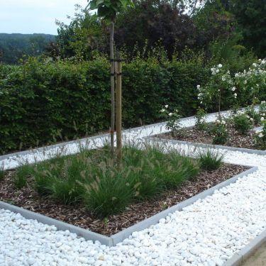 Crystal white grind 40 - 60mm aangelegde tuin