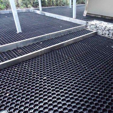 Easygravel®3XL splitplaat zwart  toegepast