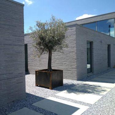 Icy blue split 8 - 16mm aangelegd moderne tuin