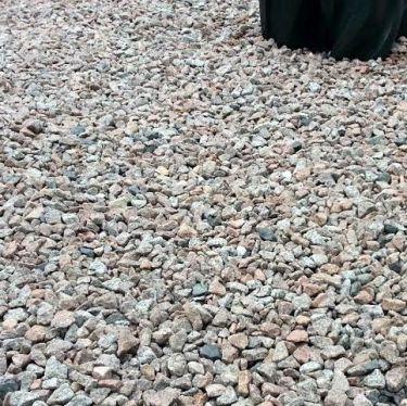 Schots graniet 8/16 aangelegd