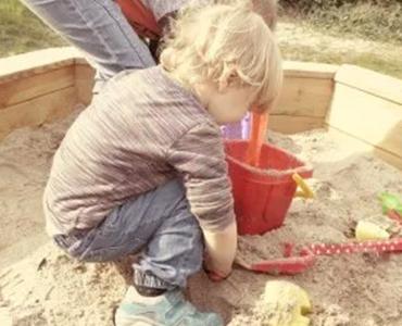 Het juiste zand voor in de zandbak vinden