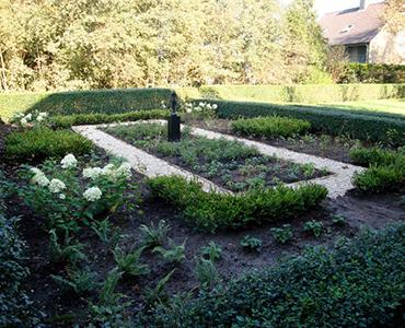Geel grind: Tips en inspiratie voor een tuin met geel grind of split