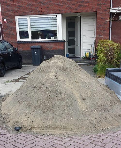 zand voor het aanleggen van een nieuwbouwtuin